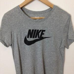 Nike Slim Fit Women 100% Cotton L Gray T-Shirt